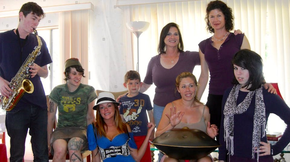 Shira Bliss with her mother and 5 children (Picture from left to right) Ben (son); RaeAnne (daughter); Jade (daughter); Coleton (grandson); Malka (Shira's mother); Shayna (daughter); Shira; Leeyah (daughter)
