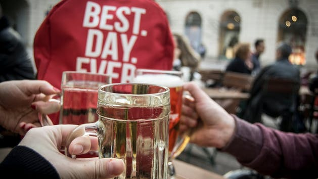 Toasting-Beers-in-Vienna