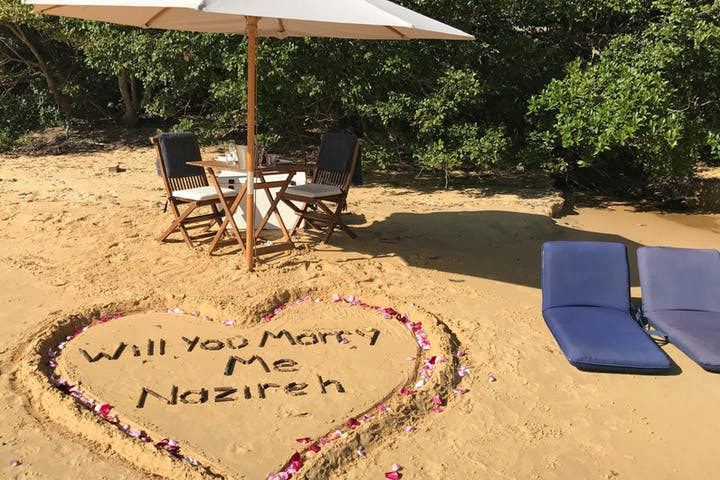 Beach proposal in Manly Beach