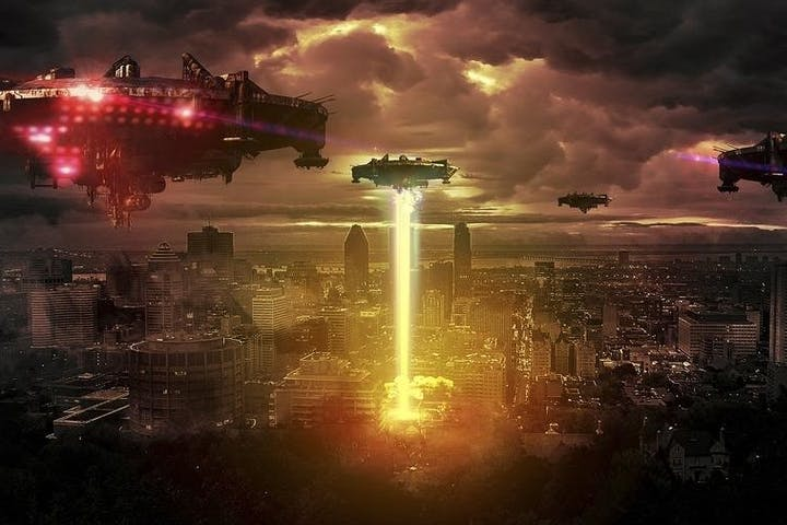 UFOs attacking city