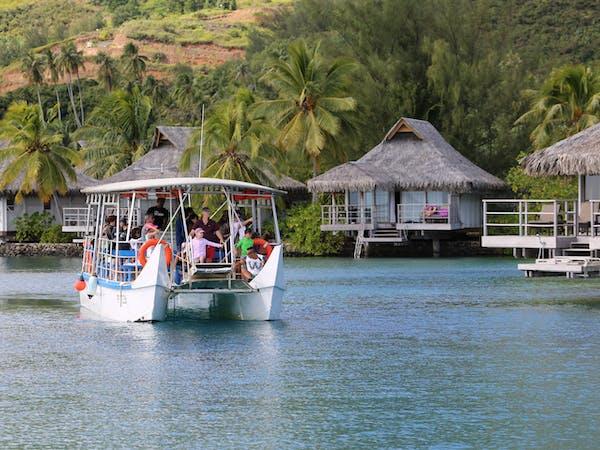 boat moorea