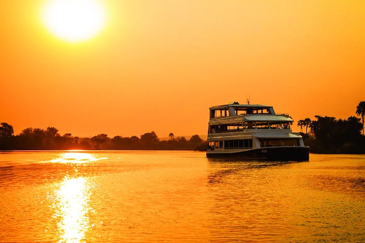 Zambezi-Sunset-Explorer-Cruise
