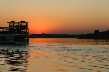 Sunset-Zambezi-River-Cruise