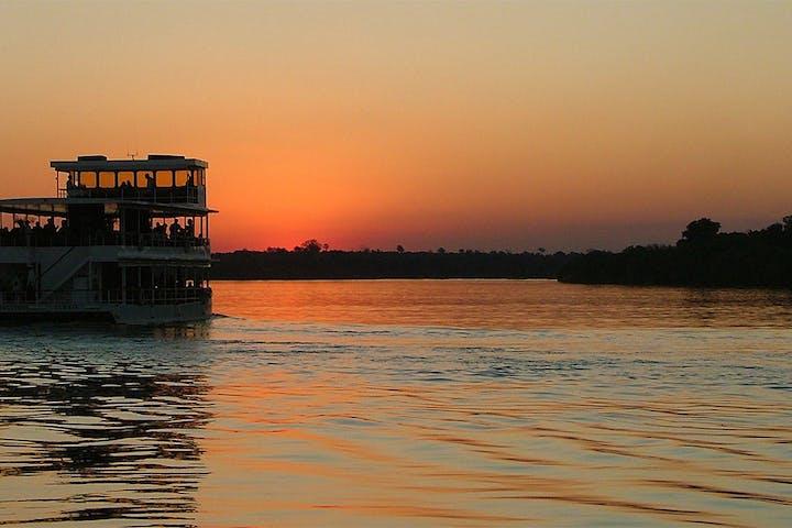 Sunset-Zambezi-River-Cruise