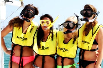 girls snorkeling in west palm beach