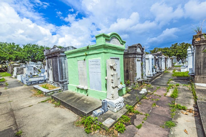Garden District & Lafayette Cemetery Walking Tour | New Orleans ...