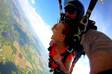 tandem skydiving in Angola, IN