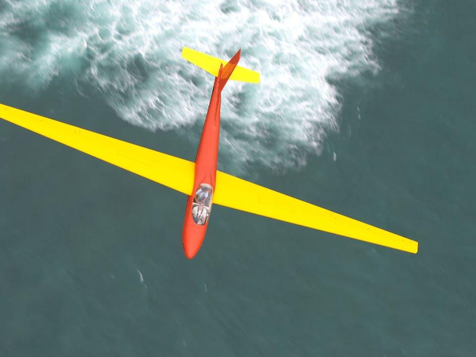 Hawaiian glider in flight