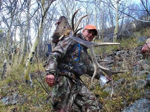 Perk packs out elk antlers