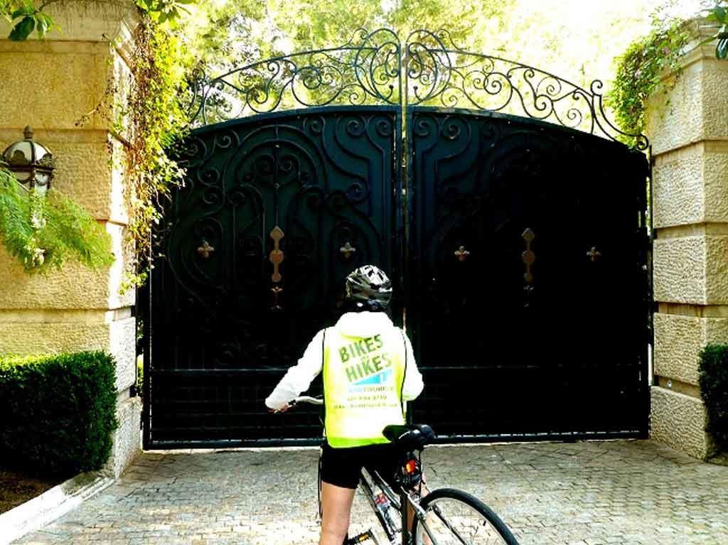 Movie Star Homes Bike Adventure