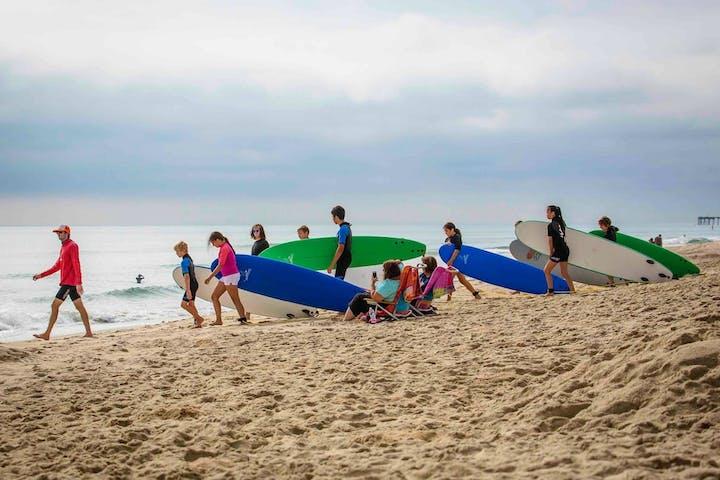 kids doing a surf school