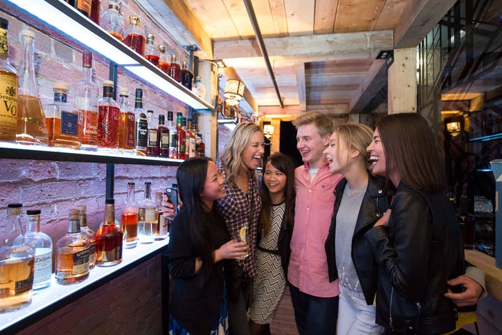 Whiskey urban trail tour group