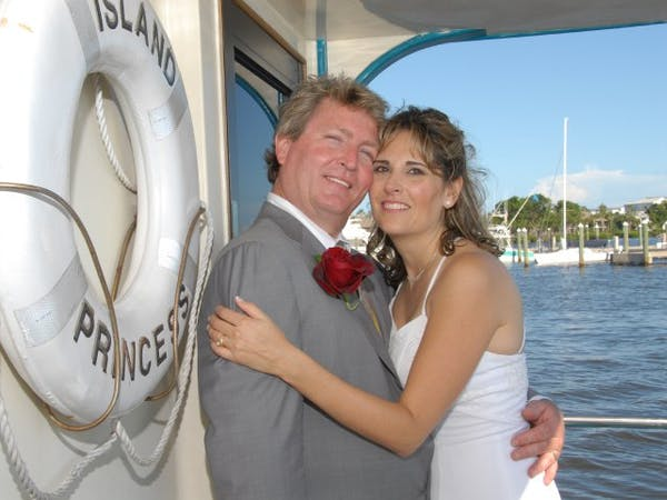 Island Princess bride and groom