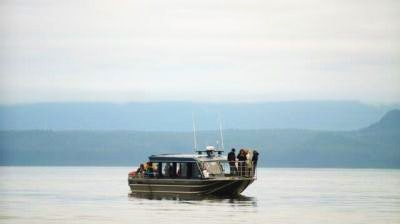 A peaceful Hoonah boat tour on Hoonah Bound