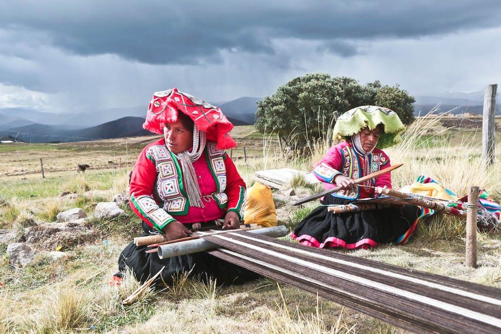 Peruvian Weavers