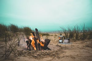 Some fun date ideas in San Diego include a beach bonfire