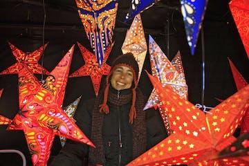 Weihnachtssterne-auf-dem-Christkindlmarkt