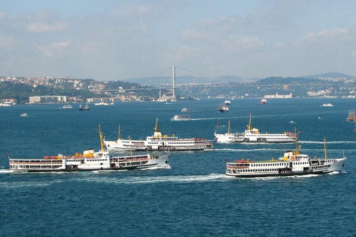 Bosphorus Cruise and Beylerbeyi Palace Image