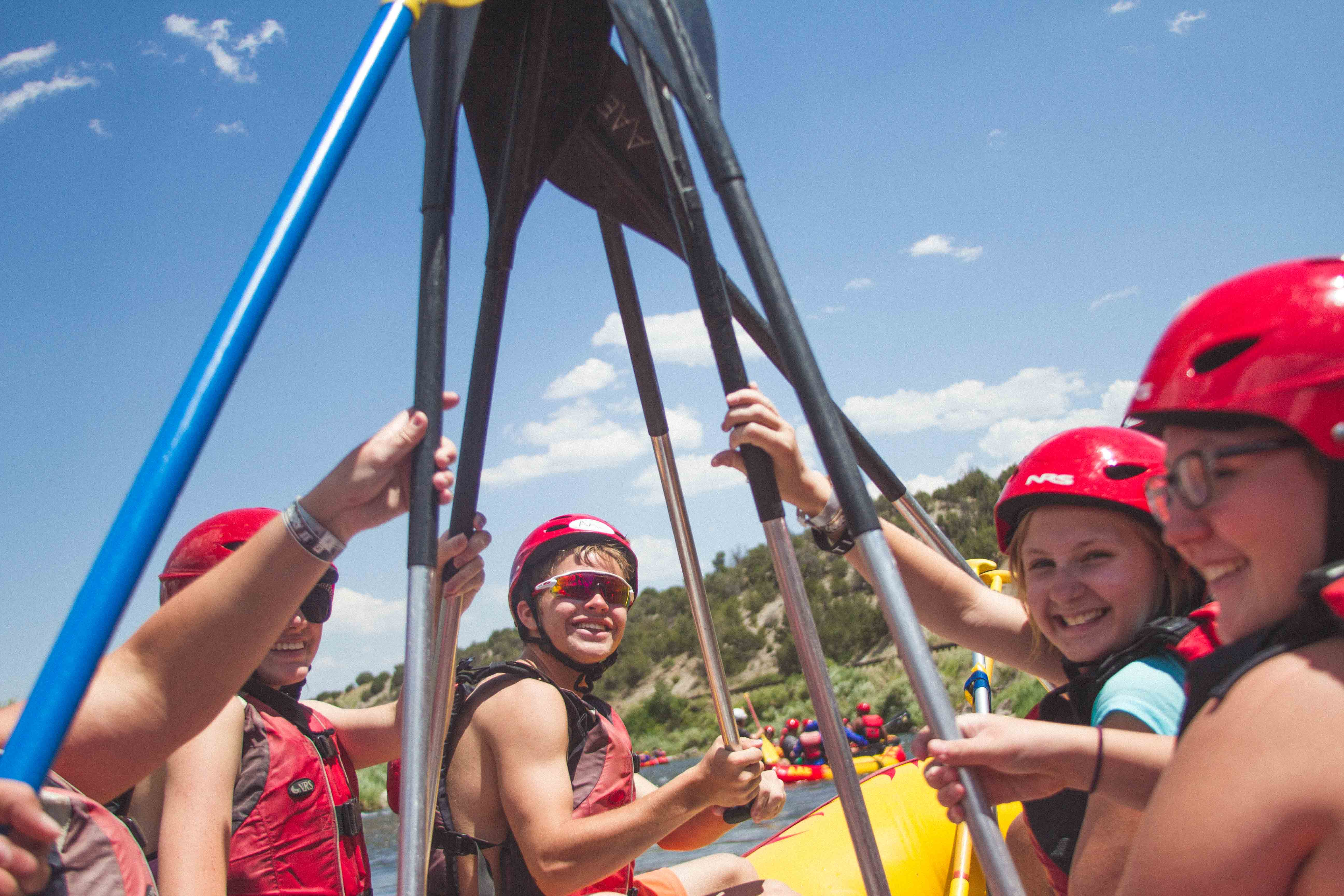 rafting as team building activity