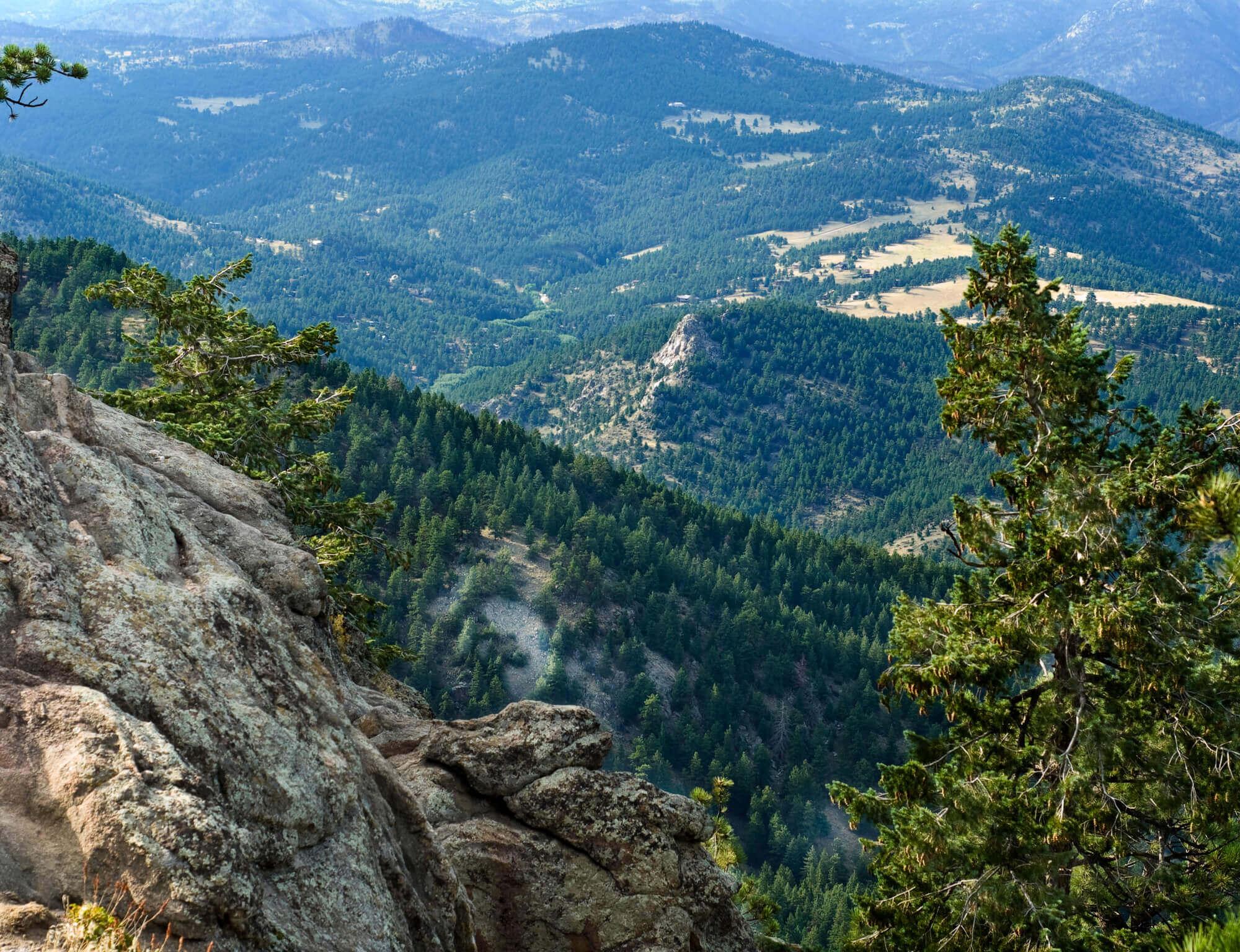 spring hikes colorado sugarloaf mountain