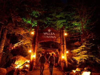 group of friends walking into vallea lumina