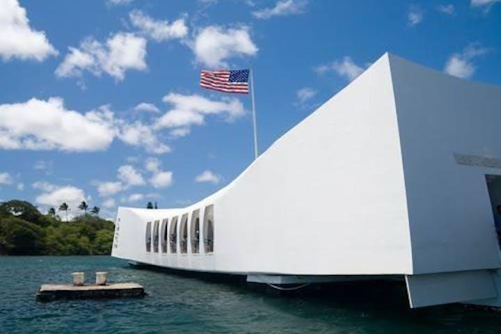 Pearl Harbor Tours >> Beyond The Call To Duty Hoku Hawaii Tours