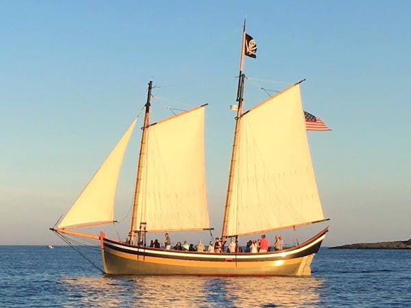 Fame of Salem | Public & Private Sails on Salem Sound