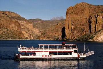Dolly Steamboat cruise on Canyon Lake, AZ