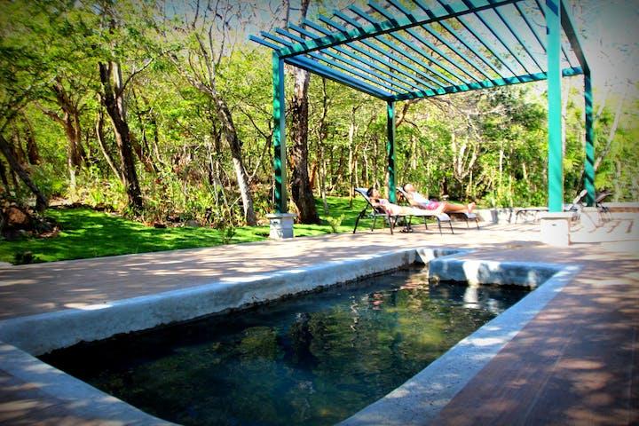Simbiosis Spa pool