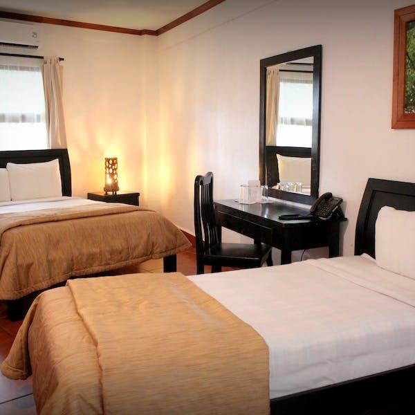 Hotel Hacienda Guachipelin family superior room
