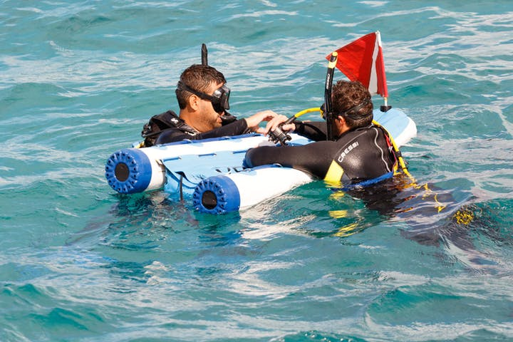 SNUBA dives in ocean