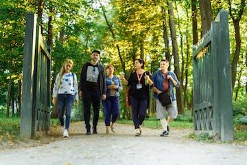 Walking-around-Yasnaya-Polyana