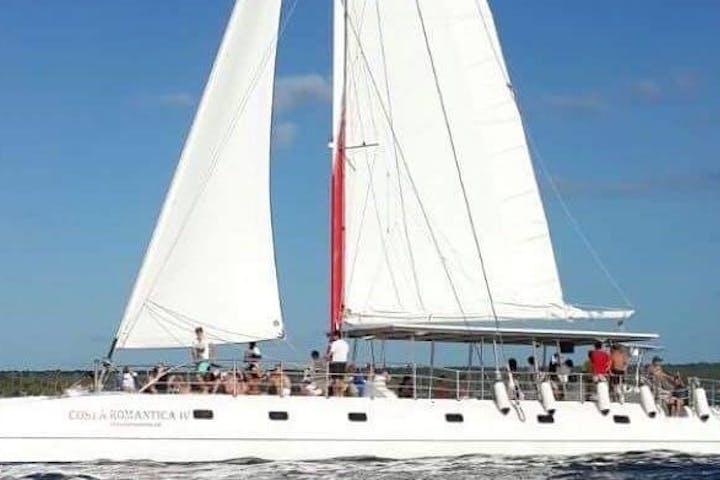 Saona Island VIP Trip Catamaran and Speed Boat