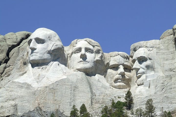 Mount Rushmore Sightseeing Tour Package | Fort Hays and Mount ...
