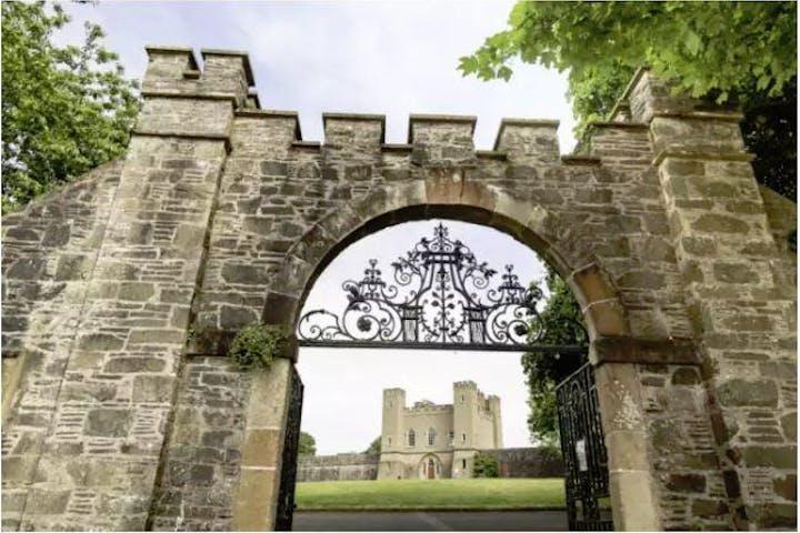Hillsborough Walking Tours castle gate