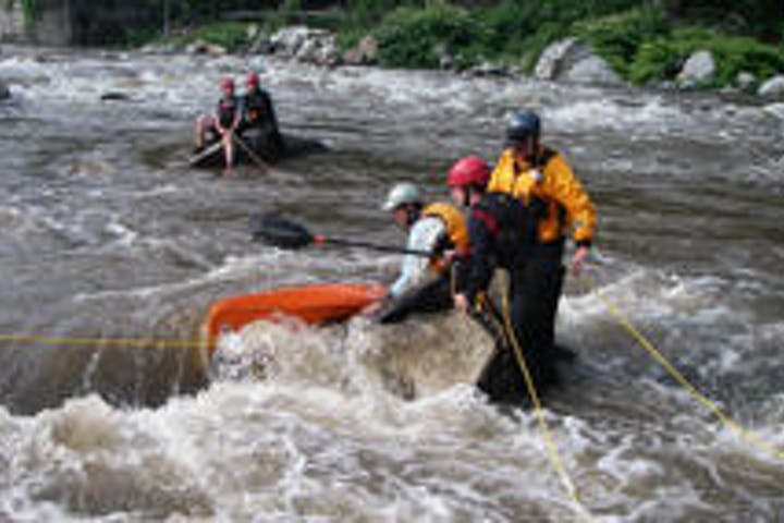 Advanced Swiftwater Rescue clinic