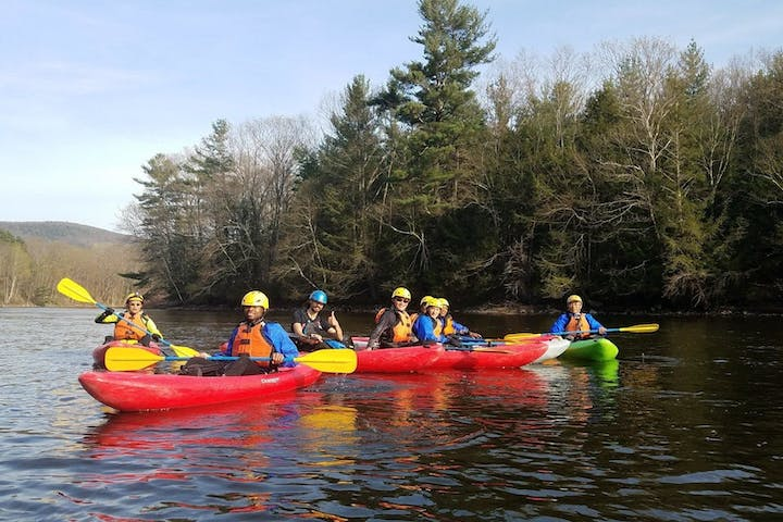 group learning basic kayak rolling