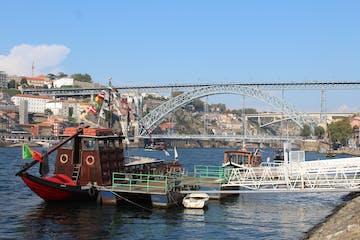 A boat in the river of Porto