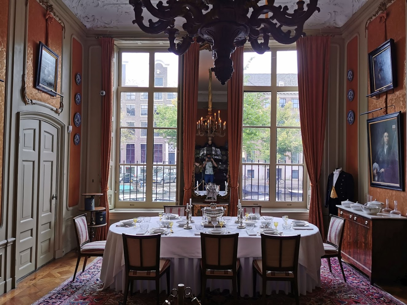 Museum van Loon dining room