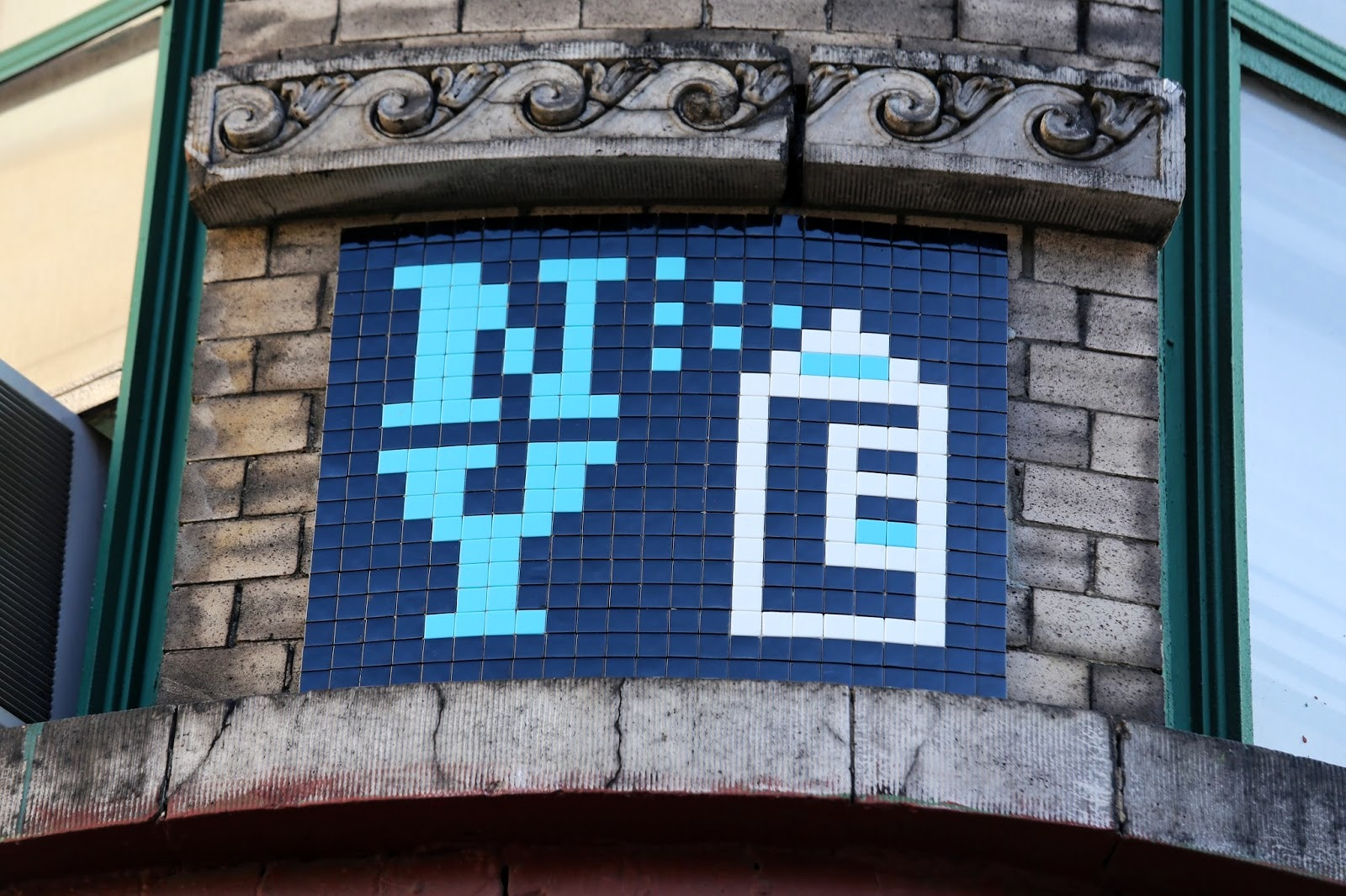 Space Invader Spray Can Mosaic – NYC 2015