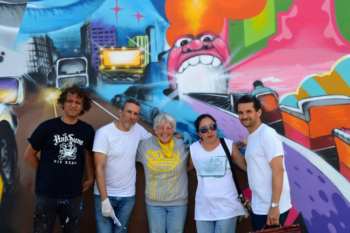 Daze, Crash, Martha Cooper, Lady Pink and Lee Quinones in front of the Daze Wall for Coney Island Walls