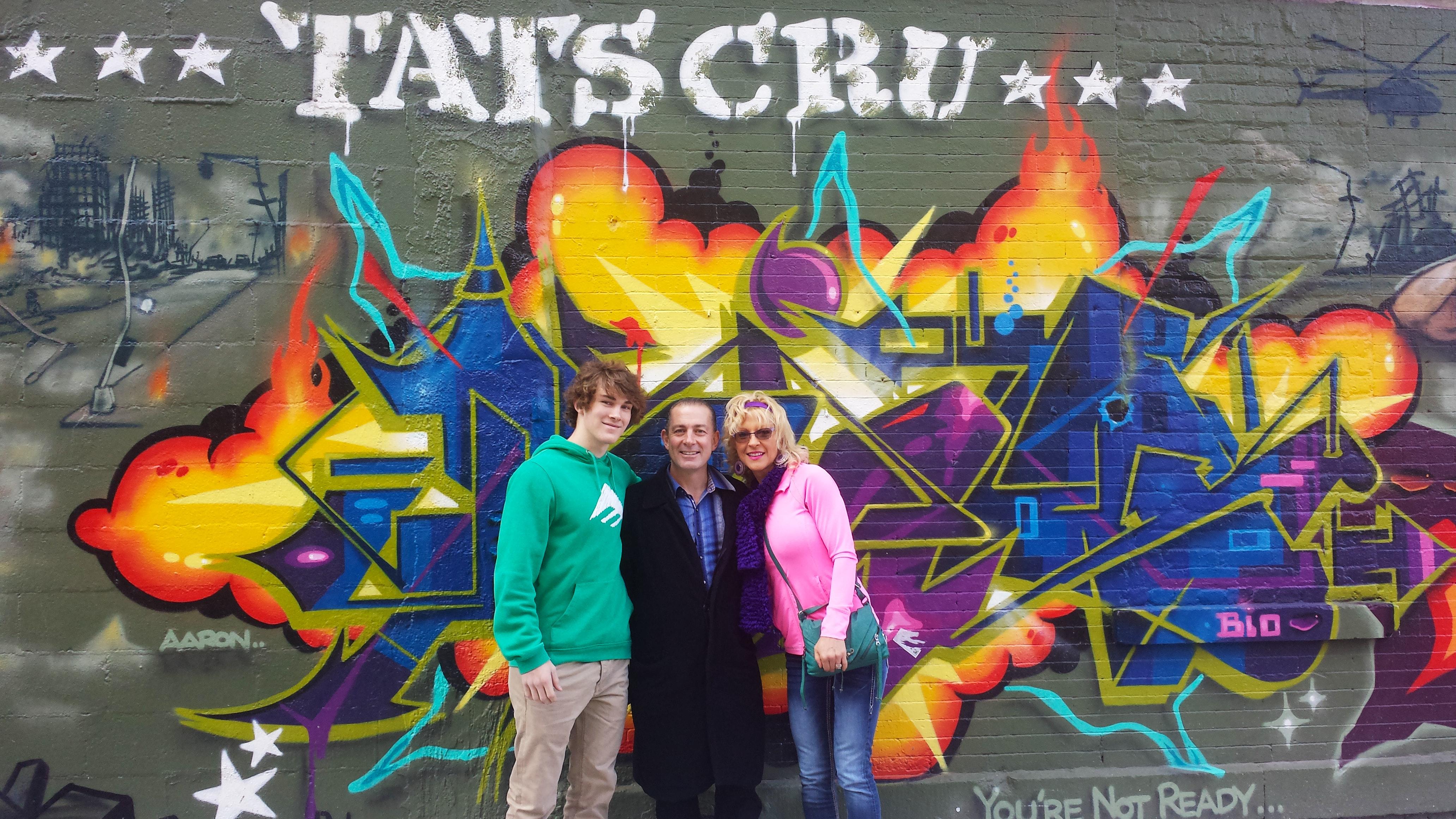 Tats Crew Wall – Bio, Nicer, BG