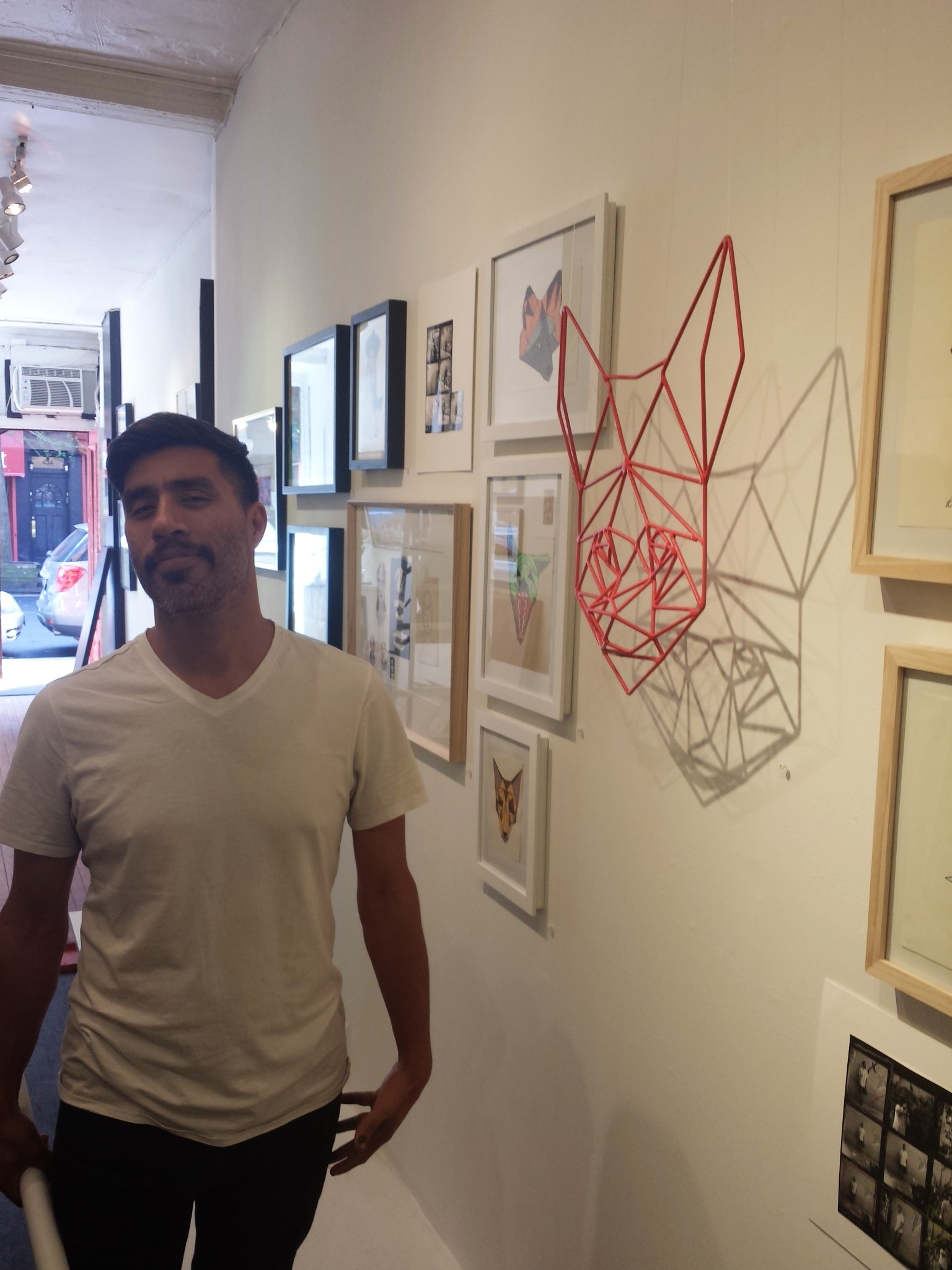 Bebo in front of his Wire sculpture