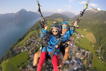 girl2 paragliding