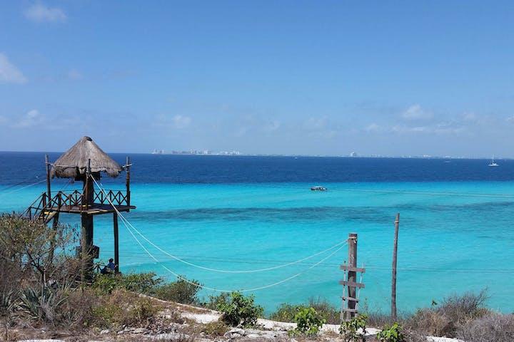 Isla Mujeres blue water