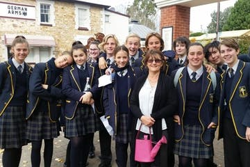 Group of students on a tour with Shannon