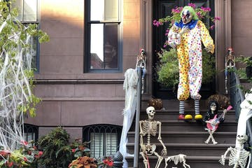 halloween decorations on front porch