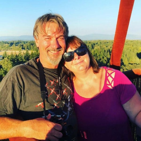 Couple enjoying a hot air balloon ride in Snohomish Washington