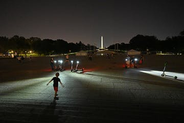 DC Street Photography at the Lincoln Memorial