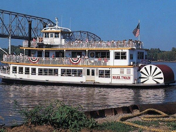 Mark Twain Riverboat   Riverboat Cruises in Hannibal, Missouri
